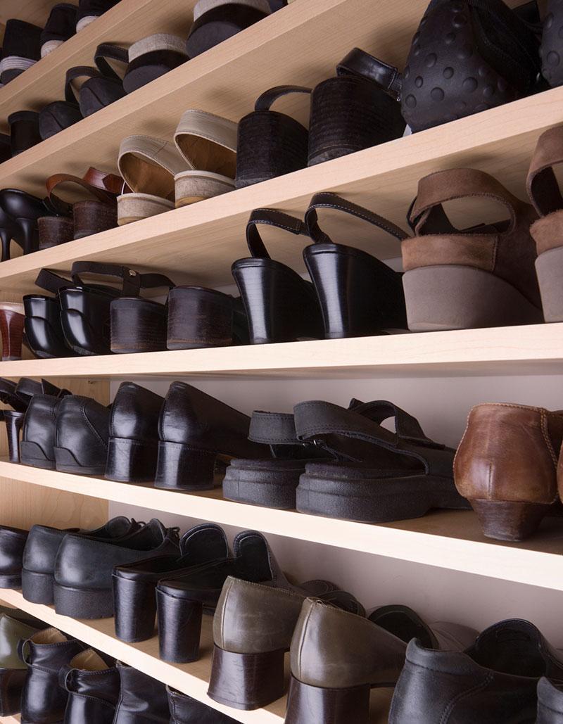 mange oppbygde sko